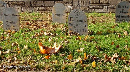HalloweenTombstones2