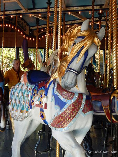 Carousel-GoldMane2