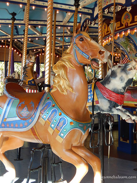 Carousel-Palomino2