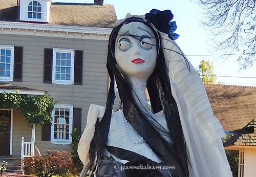 Scarecrow-BrideCloseUp2