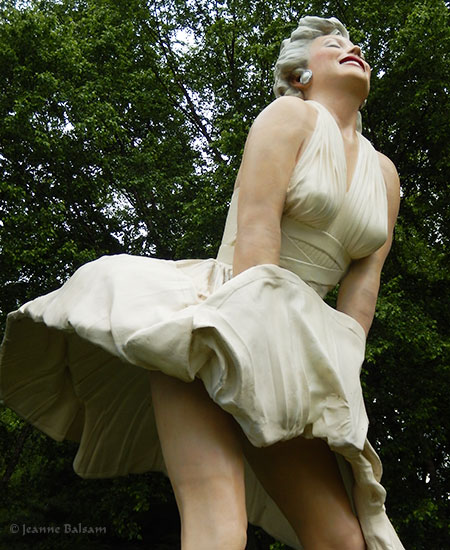 SJohnson-MarilynOutsideB2