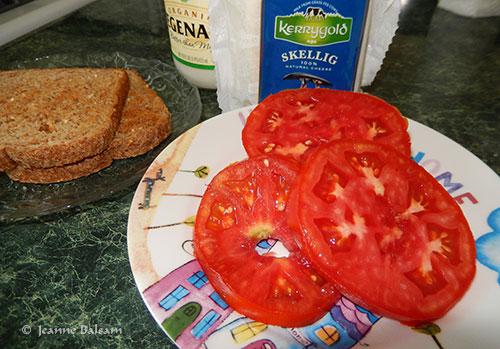 TomatoSandwichFixins2