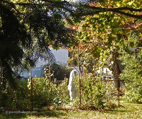 hallo16-gardenghost2