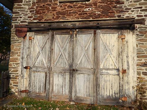 walknov5-garagedoors2